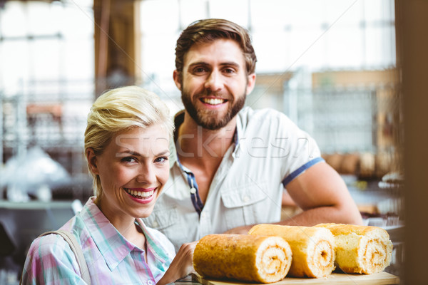 Bonitinho casal data olhando câmera retrato Foto stock © wavebreak_media