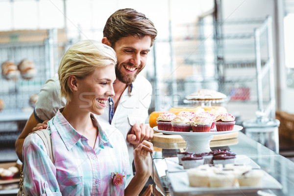 Cute paar datum naar gebak bakkerij Stockfoto © wavebreak_media