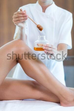 Donna caldo cera ciotola spa Foto d'archivio © wavebreak_media
