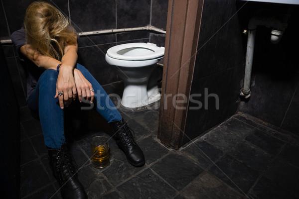 Kadın uyku tuvalet bilinçsiz bar tuvalet Stok fotoğraf © wavebreak_media