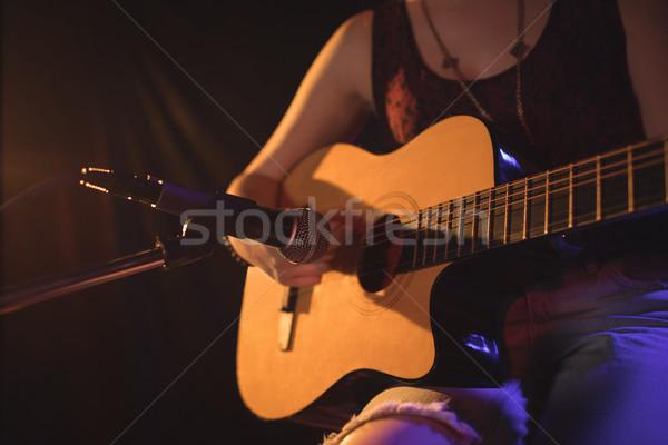 Feminino guitarrista música concerto Foto stock © wavebreak_media