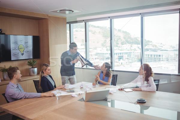 üzletember megafon megbeszélés konferenciaterem nő laptop Stock fotó © wavebreak_media