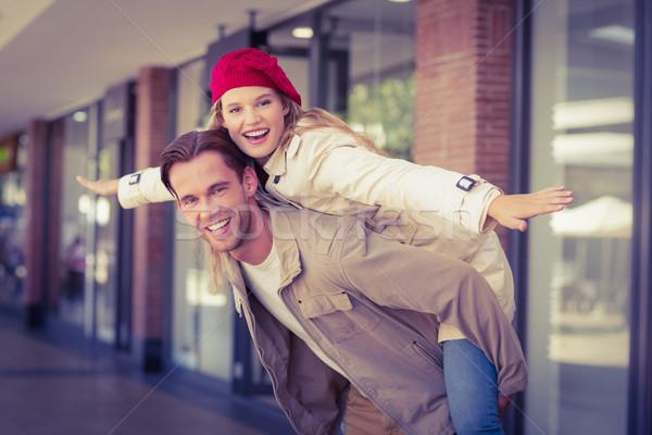 Kız arkadaş erkek arkadaş alışveriş merkezi kadın mutlu moda Stok fotoğraf © wavebreak_media