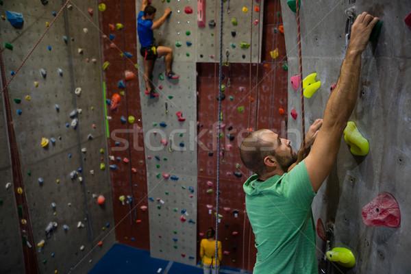Escalada parede clube masculino homem fitness Foto stock © wavebreak_media