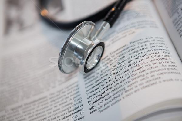 стетоскоп открытой книгой медицинской больницу образование Сток-фото © wavebreak_media