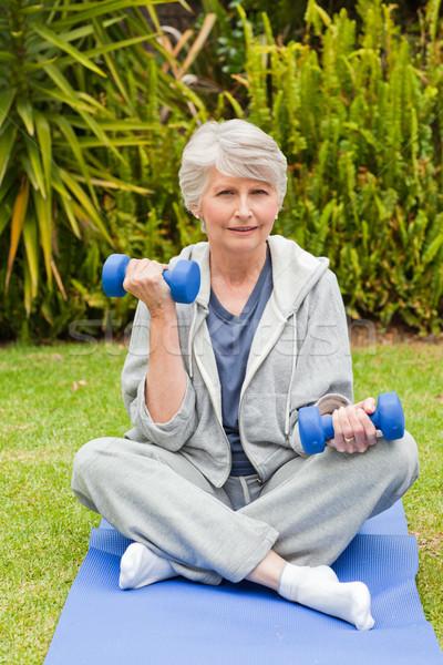 Stok fotoğraf: Emekli · kadın · bahçe · sağlık · park · kadın