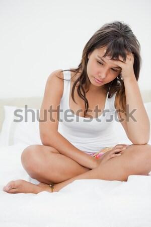 Kadın okuma dergi yatak odası gülümseme yüz Stok fotoğraf © wavebreak_media