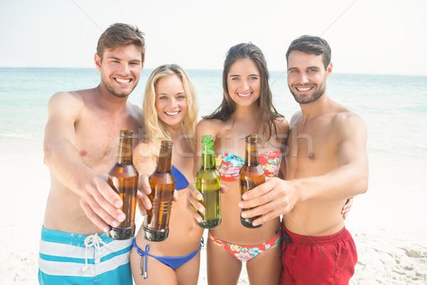 Csoport barátok elvesz férfi boldog nyár Stock fotó © wavebreak_media