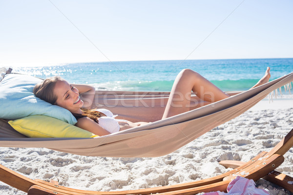 Foto d'archivio: Bruna · rilassante · amaca · spiaggia · donna · felice