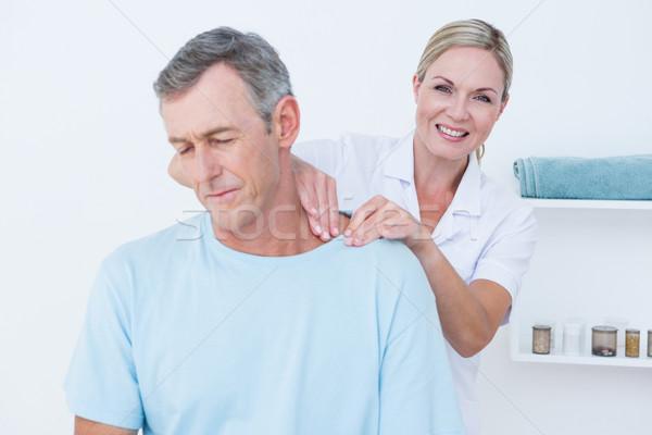 Médico cuello ajuste médicos oficina mujer Foto stock © wavebreak_media