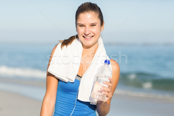 Retrato belo caber mulher olhando câmera Foto stock © wavebreak_media