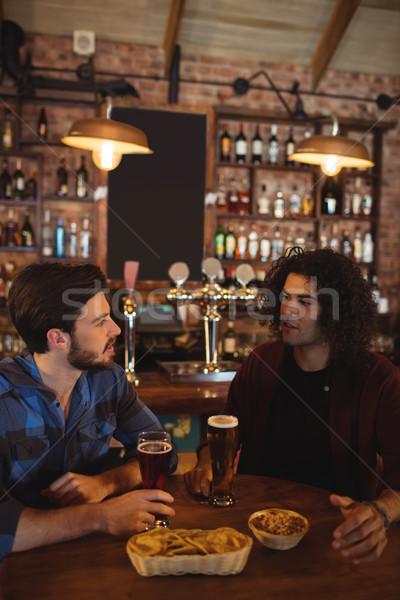 Vrienden bier pub gelukkig glas bar Stockfoto © wavebreak_media