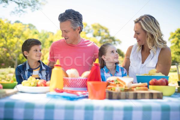 幸せな家族 その他 食事 公園 女性 ストックフォト © wavebreak_media