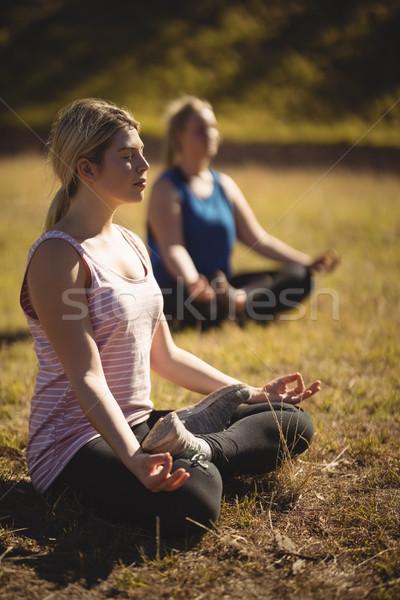 Donne yoga boot campo Foto d'archivio © wavebreak_media