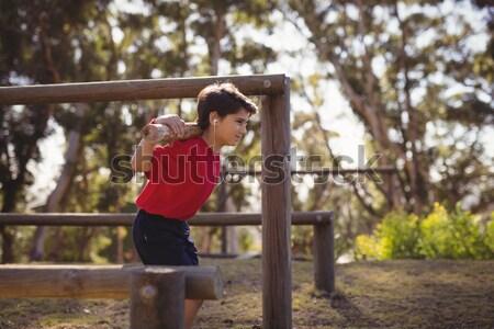 Vidám fiú testmozgás hallgat zene akadályfutás csizma Stock fotó © wavebreak_media