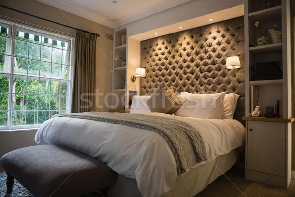 Verlicht keurig slaapkamer home venster veld Stockfoto © wavebreak_media