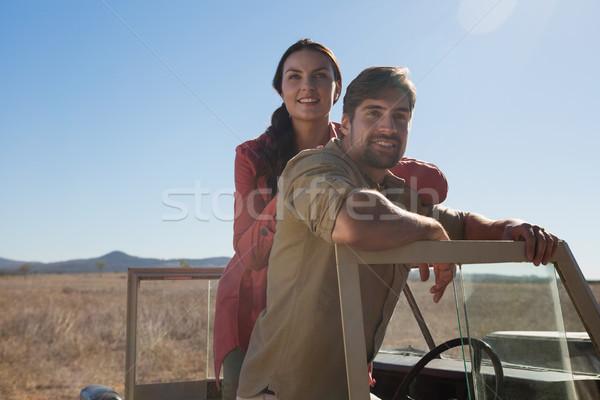 Retrato casal estrada veículo céu Foto stock © wavebreak_media
