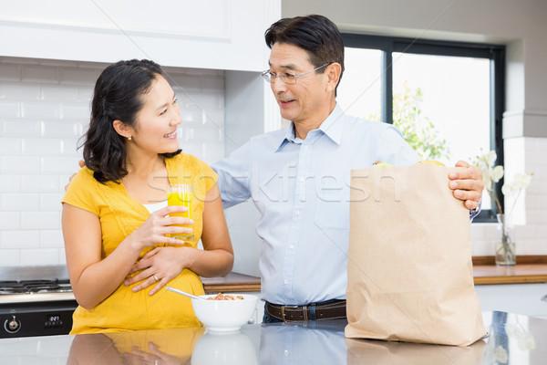 Feliz expectante casal cozinha manhã casa Foto stock © wavebreak_media