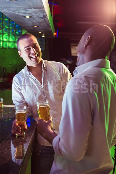Zwei Männer Bier bar counter Mann schwarz Stock foto © wavebreak_media