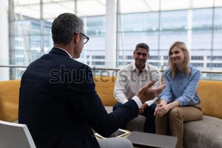 Zakenman handen schudden mannelijke uitvoerende kantoor business Stockfoto © wavebreak_media