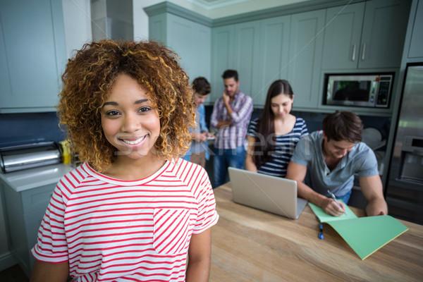 Portré mosolyog fiatal nő barátok közelkép otthon Stock fotó © wavebreak_media