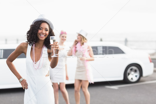 Donne bere champagne limousine donna Foto d'archivio © wavebreak_media