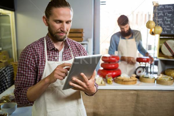özenli personel dijital tablet karşı pazar Stok fotoğraf © wavebreak_media
