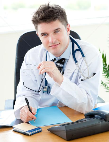 男医生侧脸照片_商业照片: 肖像 · 男医生 · 写作 · 笔记 · 医生