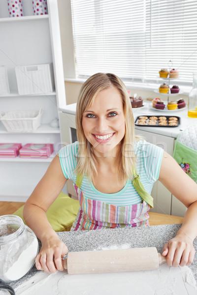 Nő konyha otthon étel egészség csokoládé Stock fotó © wavebreak_media