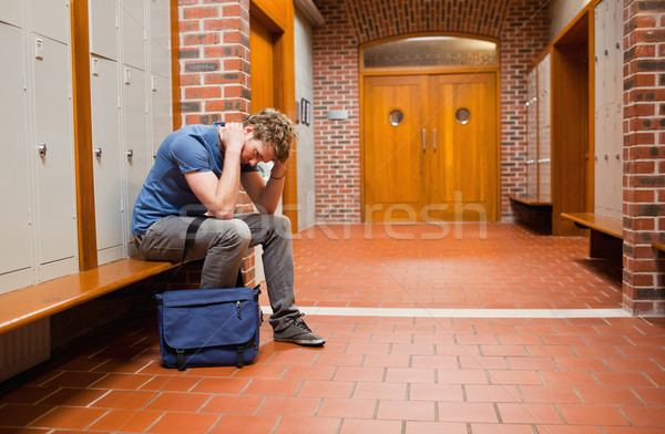 Photo stock: Triste · étudiant · séance · banc · couloir · mains