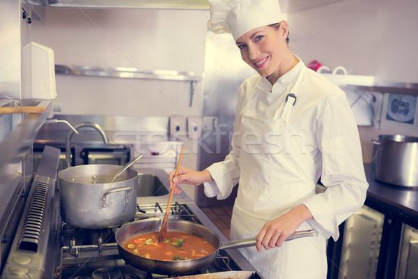 女性 調理 キッチン 側面図 肖像 ストックフォト © wavebreak_media
