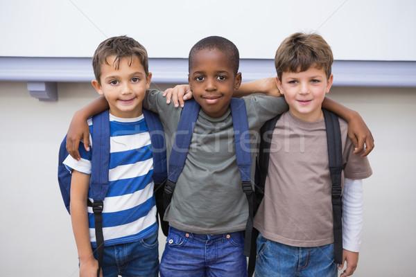 Сток-фото: Одноклассники · улыбаясь · камеры · классе · школы