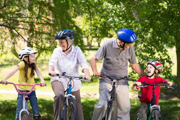 Szczęśliwy dziadkowie wnuki rowerów człowiek Zdjęcia stock © wavebreak_media