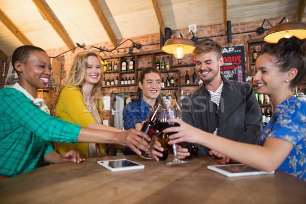 друзей пива бутылок Бокалы Сток-фото © wavebreak_media