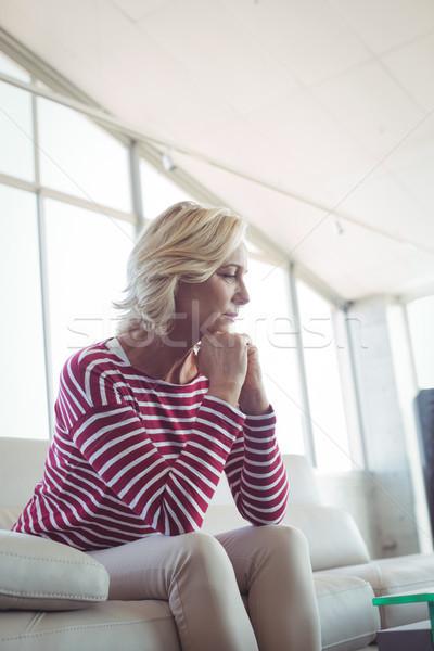 деловая женщина сидят диван служба женщину Сток-фото © wavebreak_media