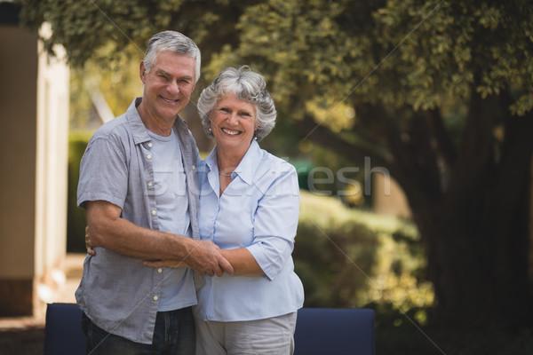Portré mosolyog idős pár áll udvar együtt Stock fotó © wavebreak_media