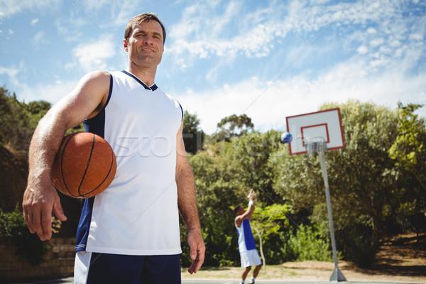 Porträt Mann Basketball Freund spielen Gericht Stock foto © wavebreak_media
