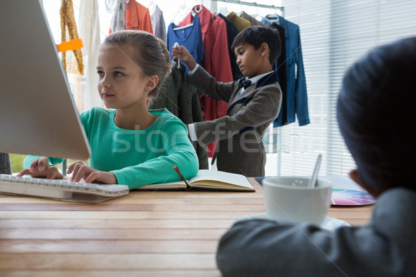 коллеги рабочих служба Creative бизнеса девушки Сток-фото © wavebreak_media