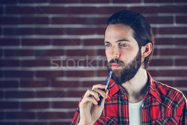 Electrónico cigarrillo Foto stock © wavebreak_media