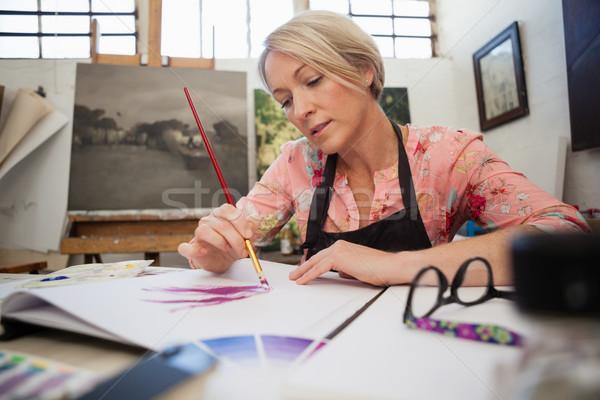 Vrouw schilderij tekening boek klasse verf Stockfoto © wavebreak_media
