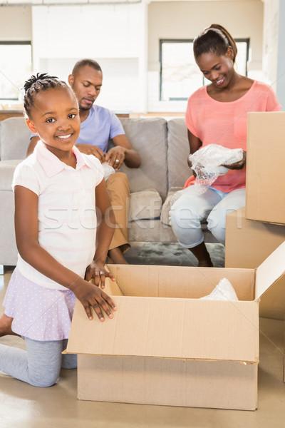 Család dolgok új otthon nappali boldog gyermek Stock fotó © wavebreak_media