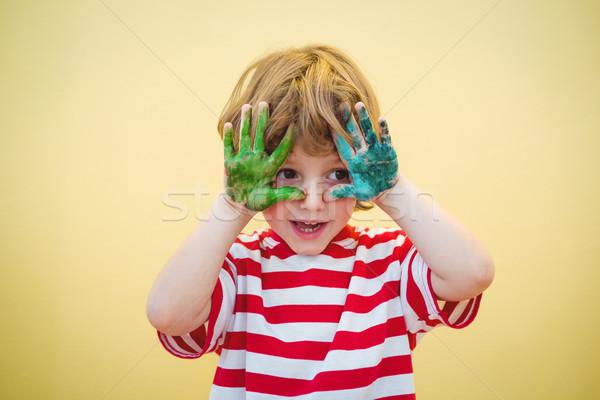 Chłopca farby pokryty szczęśliwy Zdjęcia stock © wavebreak_media