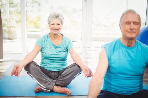 Portré mosolyog idős nő férj meditál Stock fotó © wavebreak_media