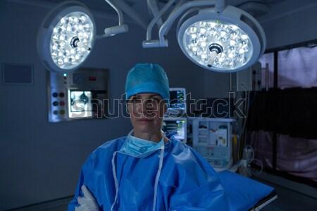 Porträt Chirurg stehen Betrieb Zimmer Krankenhaus Stock foto © wavebreak_media
