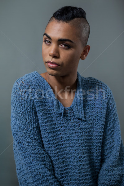Portret transgender vrouw telefoon stoel Stockfoto © wavebreak_media