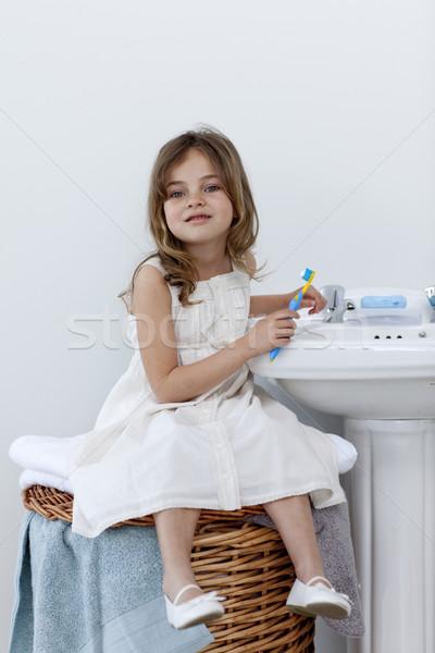 Meisje vergadering badkamer schoonmaken tanden naar Stockfoto © wavebreak_media