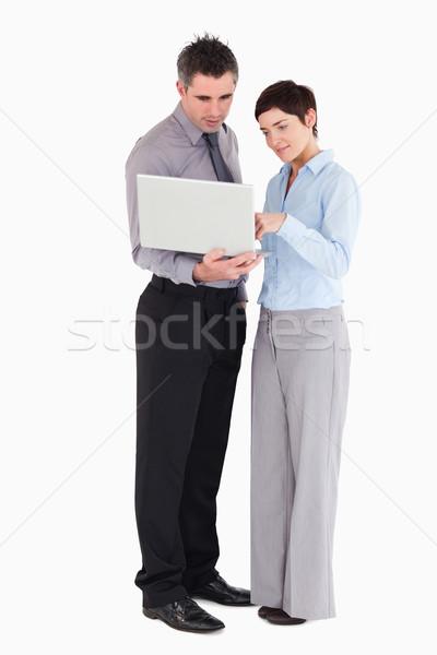 Irodai dolgozók laptopot használ fehér számítógép iroda internet Stock fotó © wavebreak_media