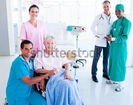 Sorridere infermiera ospedale sangue femminile maschio Foto d'archivio © wavebreak_media