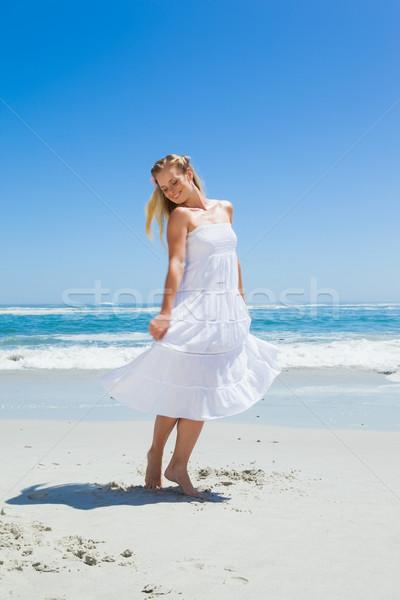 Ziemlich unbeschwert stehen Strand Stock foto © wavebreak_media