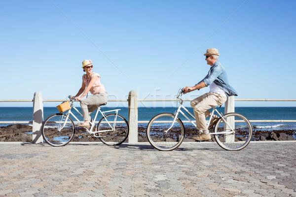 Felice casuale Coppia bike pier Foto d'archivio © wavebreak_media